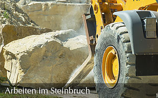 Working in the quarry - Loading blocks of Baumberger stone